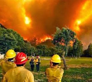 Chubut: el fuego ya avanza sobre los campos de famosos