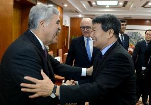 De Vido: Los proyectos con China tendrán participación de empresas nacionales