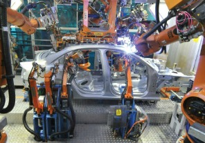 """Capitanich: La industria automotriz tiene en el país """"una proyección de un aumento del 6% en la producción"""""""