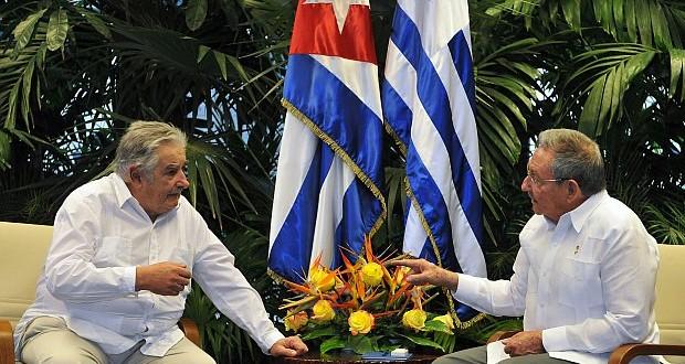 Uruguay condonará la deuda a Cuba