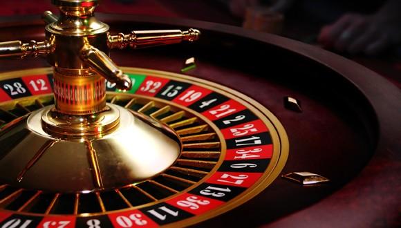 Ganó a la ruleta, cobró y cuando se retiraba del casino murió infartado