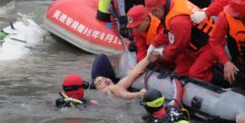 Escalofriantes imágenes del avión que se estrelló en Taiwán