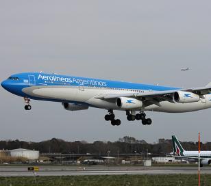 Aerolíneas Argentinas cambiará pasajes que se vean afectados por el paro