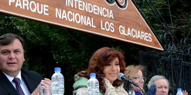 Cristina inauguró obras en El Calafate y puso en marcha el DNI en 24 horas
