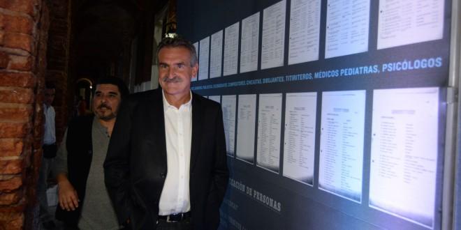 Rossi visitó Listas Negras en la Fundación Mercedes Sosa