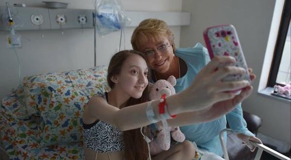 "Bachelet visitó a la joven que le pidió dejarla ""dormir para siempre"""