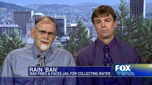 Lo condenan a la carcel por almacenar agua de lluvia