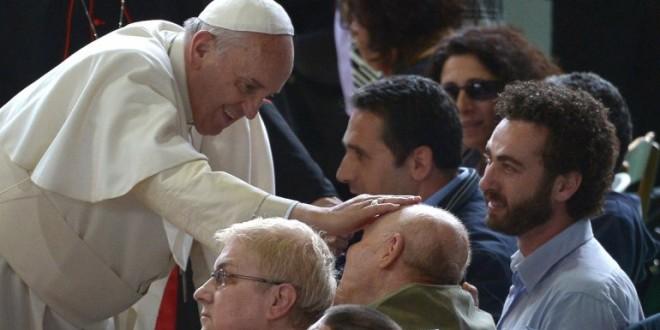 """Papa Francisco: """"Estoy un poco anciano y enfermo"""""""
