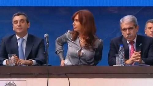 Furor en las redes por el botón de la camisa de Cristina Fernández de Kirchner