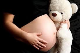 Hay 140 mil embarazos adolescentes por año en Argentina