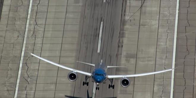 Video: Impresionante despegue vertical de un Boing 787-9 Dreamliner