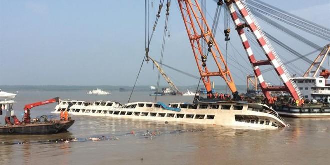 """431 muertos tras el naufragio del """"Estrella de Oriente"""" en China"""