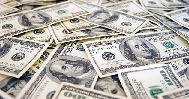 El Dólar blue por debajo de $14