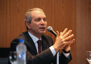 El Gobierno le ofreció más custodia al juez Bonadío