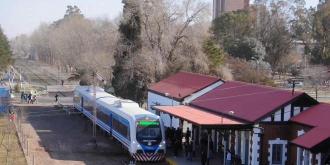 Pruebas del tren 0Km que unirá Neuquén y Cipolletti