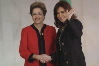 Cristina Kirchner mantuvo una reunión bilateral con Vilma Rousseff en Brasilia