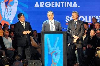 """Agustín Rossi: """"Scioli es un estadista muy superior al resto de los precandidatos de los partidos opositores"""""""