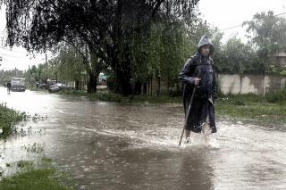El agua empezó a bajar y los evacuados regresan a sus hogares