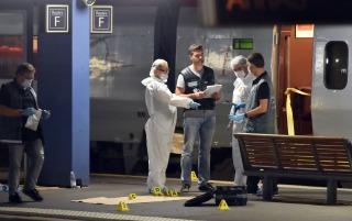 """Francia calificó de """"terrorista"""" al autor de los disparos en un tren que viajaba entre Amsterdam y París"""