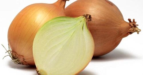 La cebolla llega a $40 en los supermercados