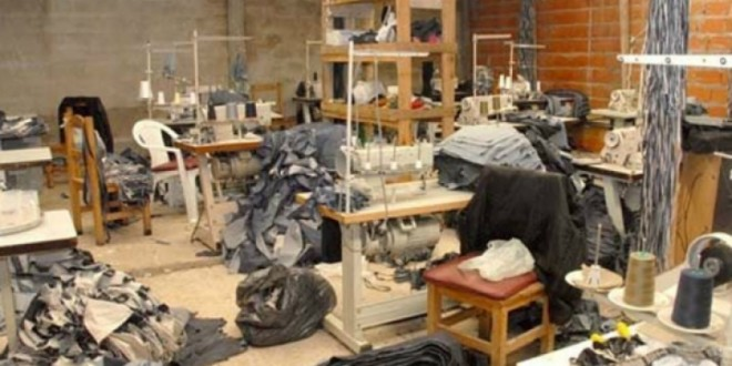 Clausuran un taller textil donde había 25 trabajadores encerrados