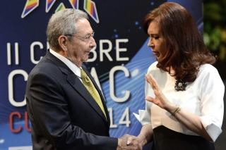 Cristina Kirchner participará de una cena en su honor ofrecida por Raúl Castro