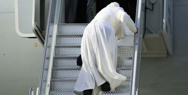 Cual es el mal que aqueja al Papa Francisco