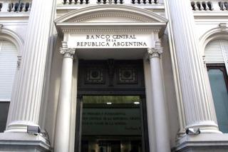 El Gobierno oficializó la designación de los dos directores del BCRA