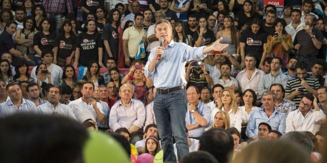 Macri pide a la militancia disputar voto a voto para lograr un balotaje