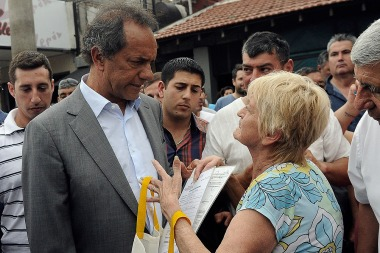 """Scioli: """"Hay acuerdo entre el FMI, fondos buitre y Macri"""""""