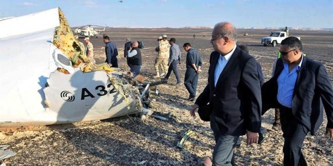 """El avión ruso """"se despedazó en el aire"""" antes de tocar tierra"""