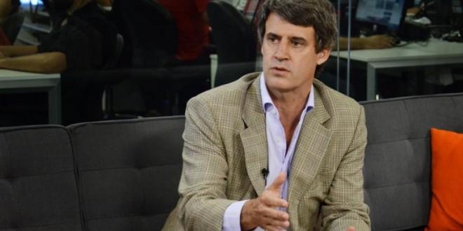 """Alfonso Prat Gay: """"Va a subir el dólar oficial y van a bajar todos los otros"""""""