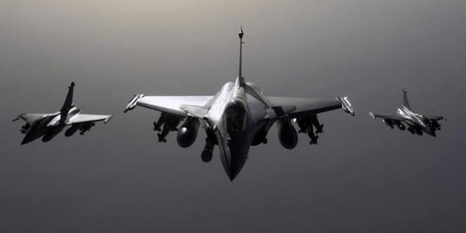 Aviones franceses bombardean posiciones del Estado Islámico en Siria