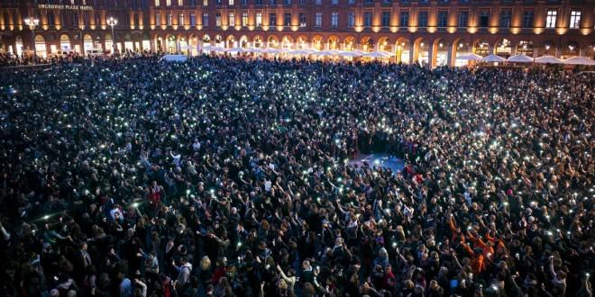Francia: Miles de personas marchan en silencio por las víctimas de París