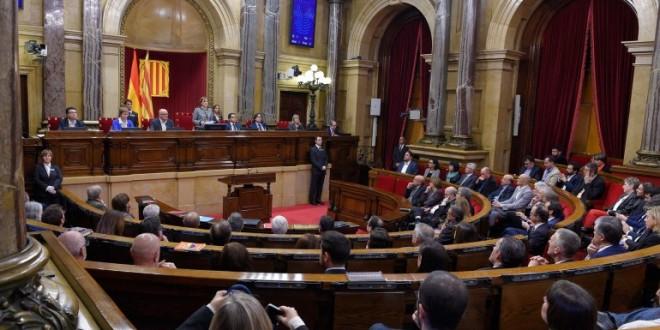 El Parlamento catalán aprobó el comienzo del proceso hacia la independencia de España
