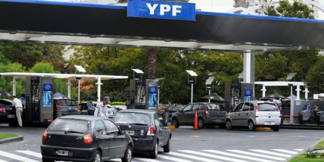Suben un 4,5% las naftas de YPF en todo el país