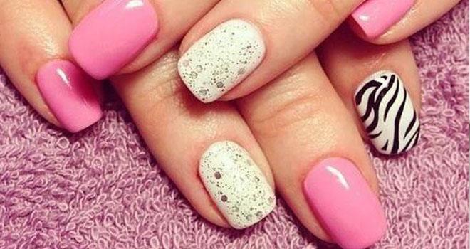 El tratamiento del hongo de las uñas por la tintura del matamoscas