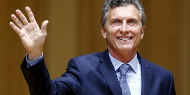 """Macri:"""" Dejemos que entre el aire fresco, ¡Feliz 2016!"""""""