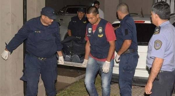 La empresaria Esther López de Auad fue asesinada de 23 puñaladas y le dejaron dos cuchillos clavados en el tórax