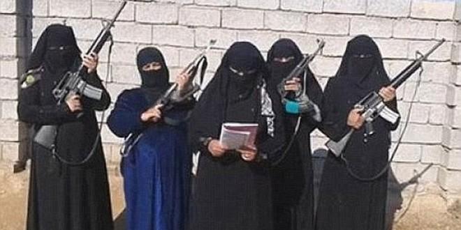 ISIS mutiló y asesinó a una mujer por amamantar a su bebé en público