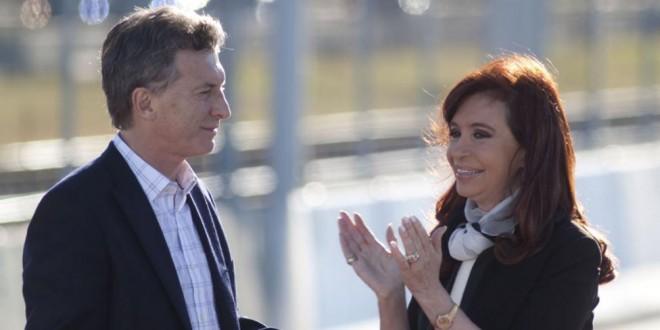 Macri le informó a Cristina Kirchner que el traspaso de mando será en la Casa Rosada