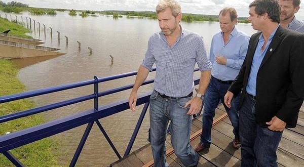 """Concordia: """"Si el agua llega a los 17 metros deberemos evacuar a 20.000 personas"""""""