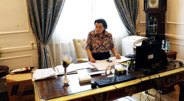 El primer día de Anita ,las secretaria de Macri, en Casa Rosada