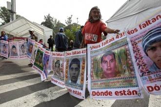 Detienen a tres sospechosos por la desaparición de los 43 estudiantes de Ayotzinapa