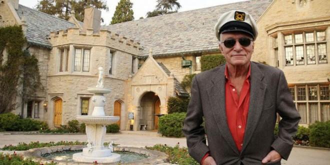La mansión de Playboy está en venta con Hugh Hefner incluído