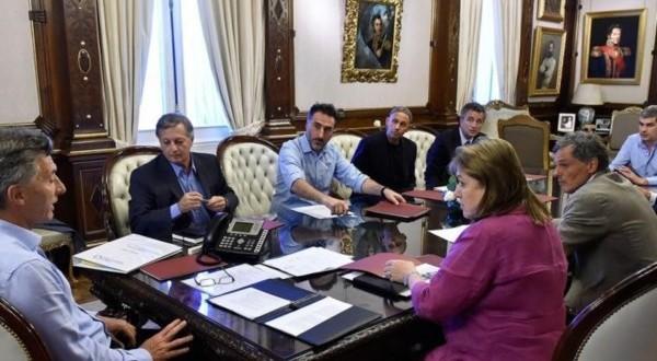 Macri analizó con ministros el acuerdo de París sobre el efecto invernadero