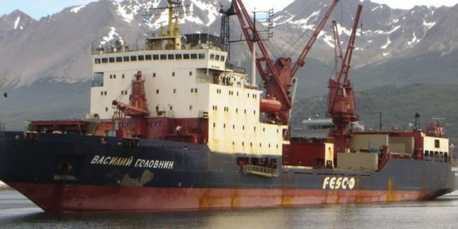 Martínez visita el buque polar ruso que abastecerá a las bases antárticas
