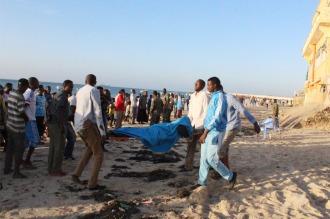 Murieron 21 personas en un atentado contra un hotel en la capital de Somalia