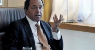 """Scioli llamó al peronismo a """"hacer el esfuerzo para mantener unido el partido"""""""