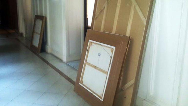 Descolgaron los cuadros de Kirchner y Chávez de la Casa Rosada
